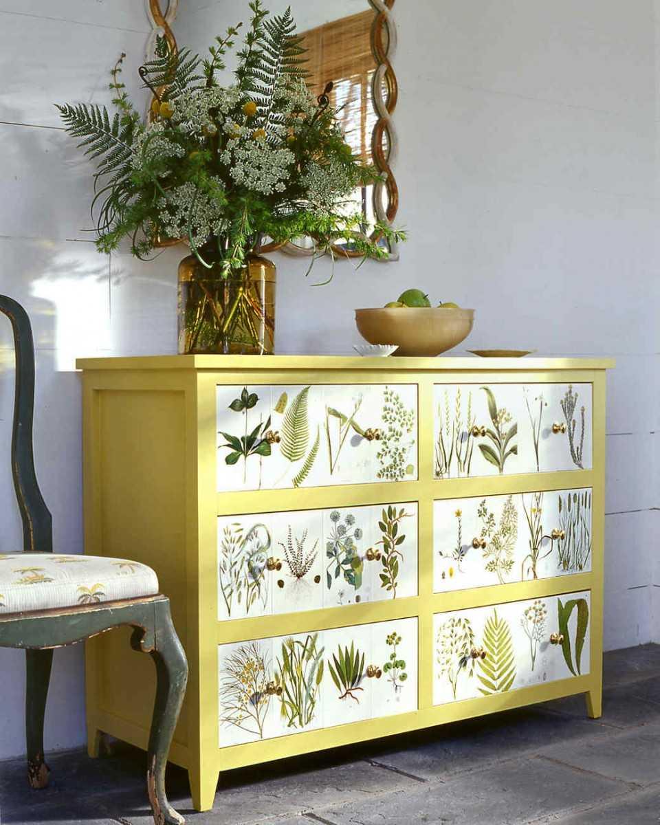 Декупаж мебели – примеры использования обоев и подручных материалов (102 фото)