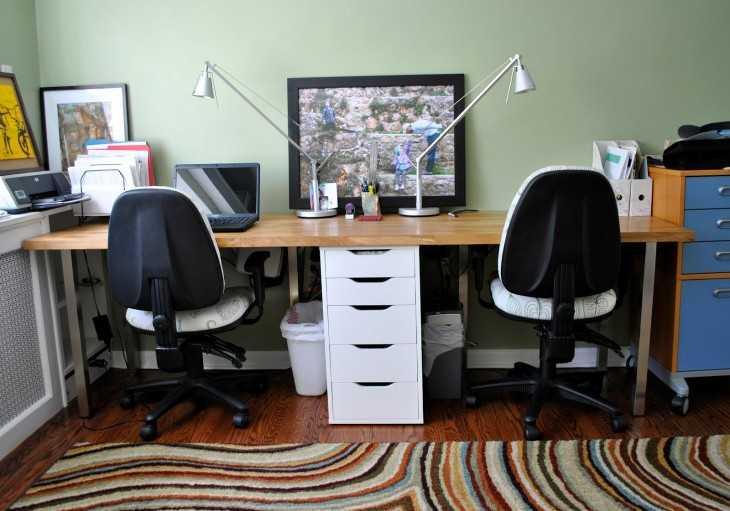 Компьютерный стол с полками 35 фото рабочий с ящиками и пеналом высокий стол с комодом и верхними полками для компьютера