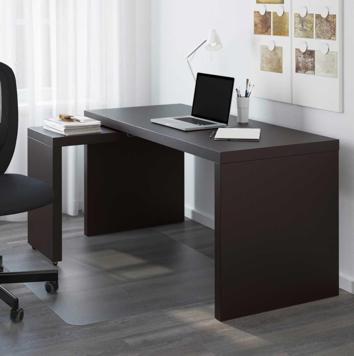 Wie wählt man den richtigen Computertisch aus, wohin stellt man ihn in den Raum?