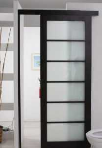 Пластиковые входные двери для частного дома фото и особенности