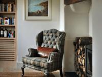 Английское кресло в интерьере: модельный ряд и оптимальный подбор для интерьера (101 фото)