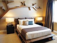 Полки в спальню: основные типы настенных полок и лучшие материалы (106 фото)