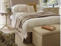 Пуфик в спальню — стилистические направления моделей, функциональность и плюсы банкетки (116 фото)