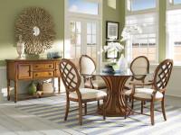 Стеклянный стол (93 фото): подробное руководство по выбору прочной и стильной мебели