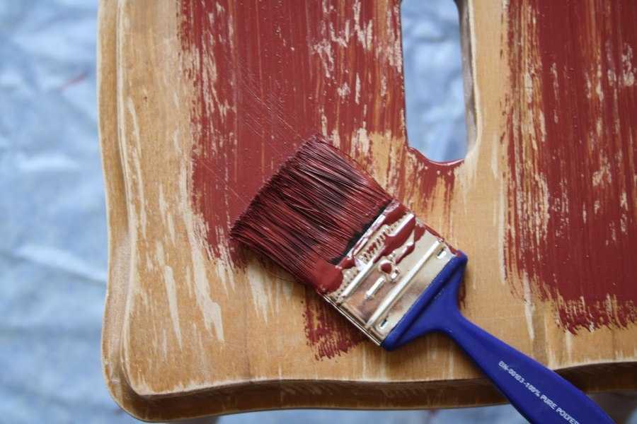 как покрасить мебель под старину своими руками