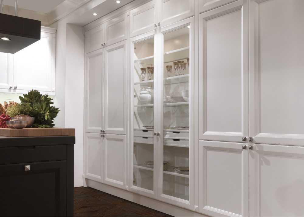 Стеклянный шкаф — обзор разновидностей и оформление в современном стиле (83 фото)