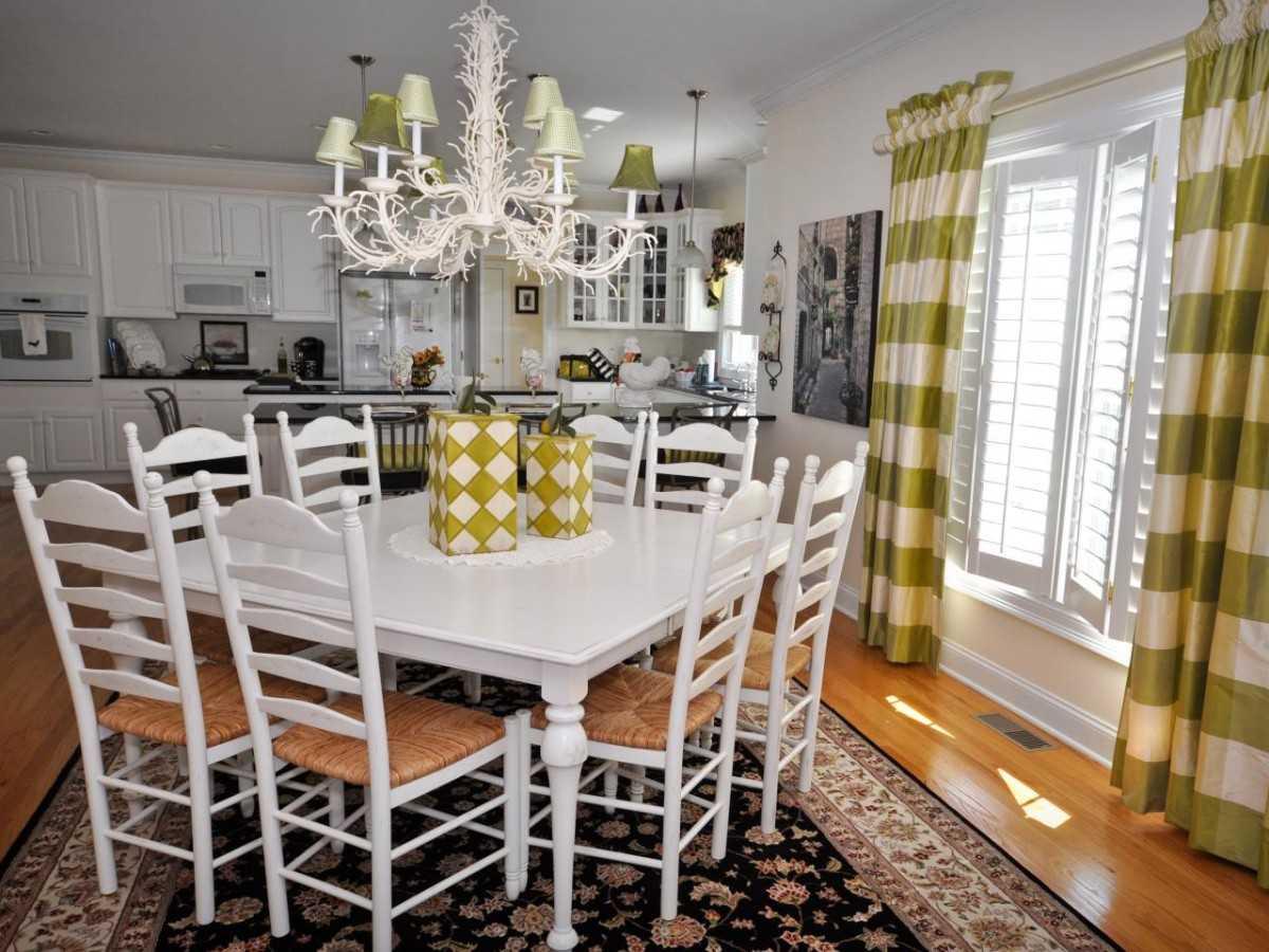 Белый стол: современные идеи для оформления модного дизайна. 101 фото в интерьере с мебелью белого цвета!