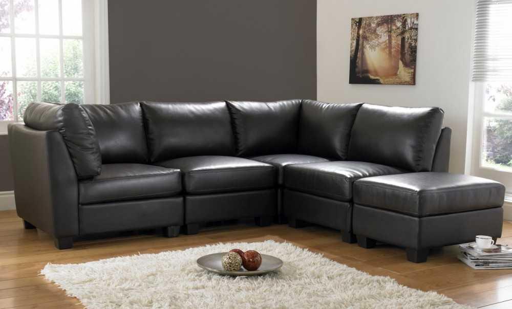 Мягкий угловой диван черного цвета