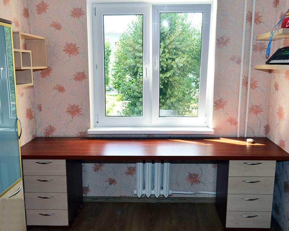 Письменный стол: 115 фото современных столов для учебы и раб.