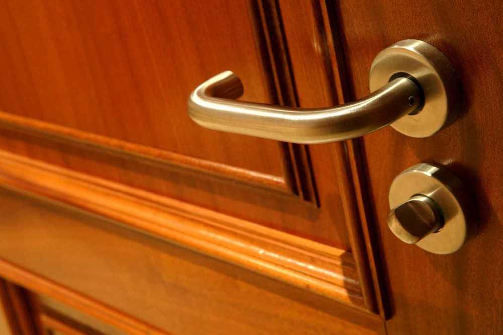 Фурнитура на двери