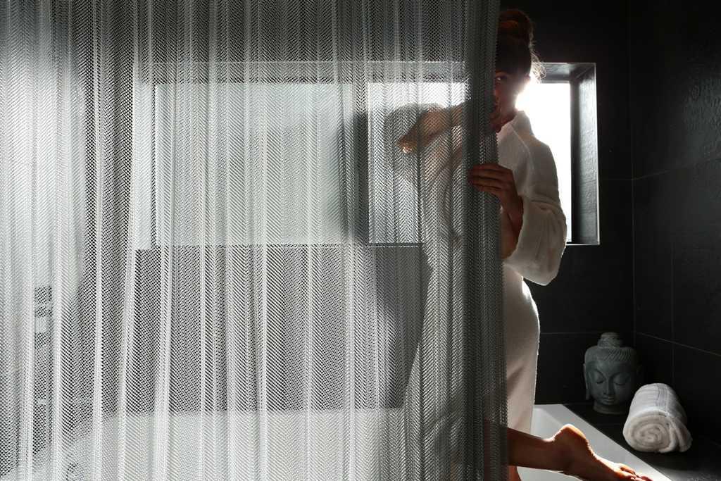 Шторки для ванной — обзор основных современных систем и самых стильных идей дизайна (102 фото)