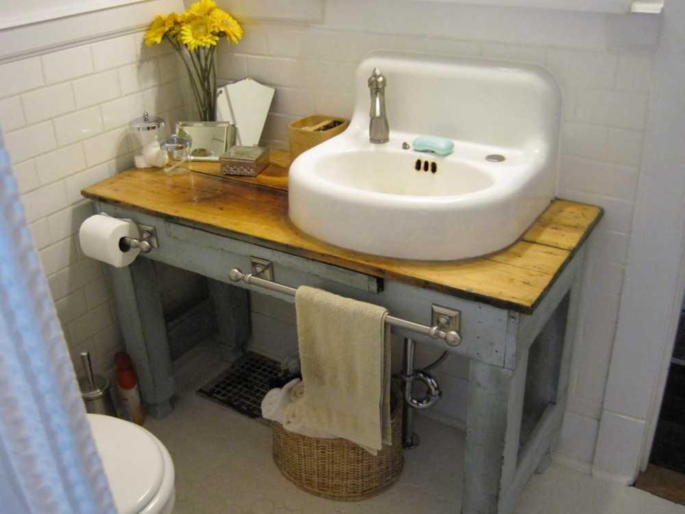 Столик для ванной: как учесть индивидуальные особенности при выборе столешницы и функциональности (103 фото)